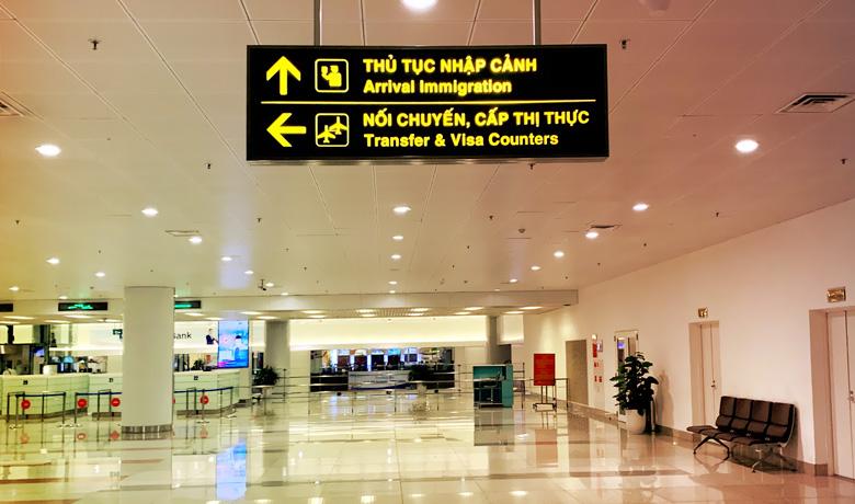 Quầy làm visa sân bay
